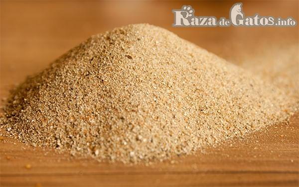 Foto de Arena de granos de sílice. Tipos de arena para gatos.